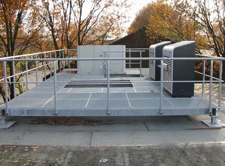 Dachpodest, Konstruktion Fertigung und Montage innerhalb von 3 Wochen